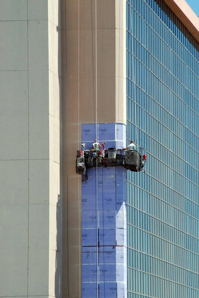 New Facade For Hotel Tower At Caesars Casino Amp Resort
